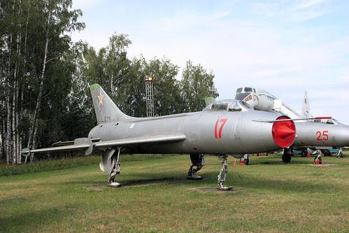 Sukhoi Su-7BKL 17 red