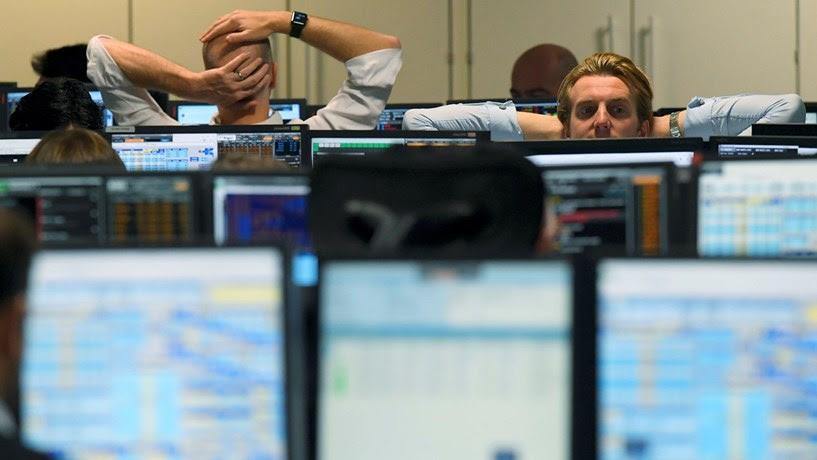 Fecho dos mercados: Euro sobe e trava bolsas depois de Jackson Hole. Juros interrompem subidas
