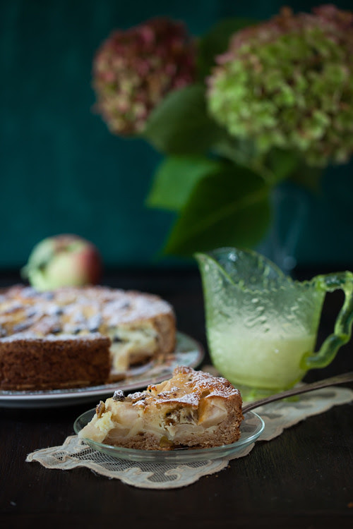 Apple Cake with Raisins 3