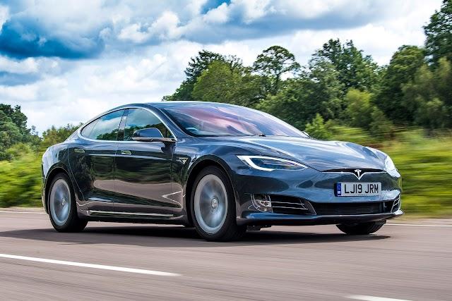 Tesla : Vuoi più accelerazione? Con Tesla basta pagare 2.000 $ (di ...
