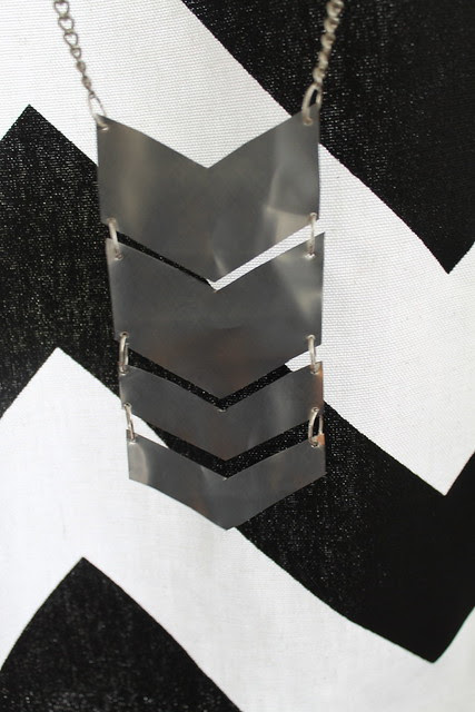 DI(fr)Yday: How to make a soda can chevron necklace