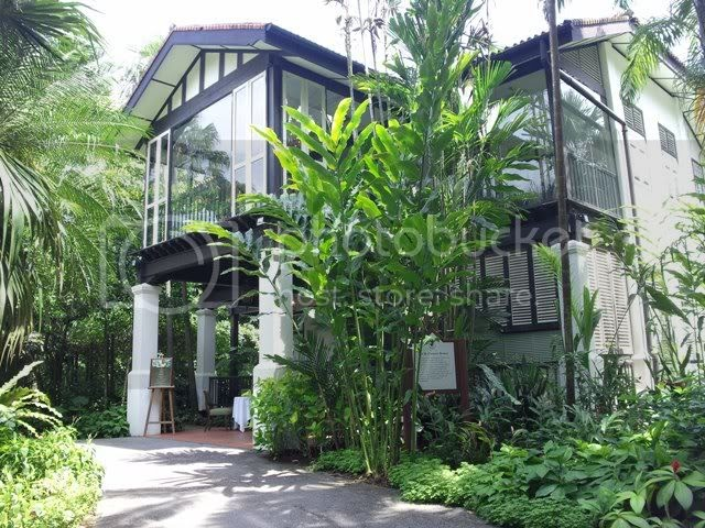 Sparkling or still au jardin les amis singapore botanic for Au jardin restaurant singapore