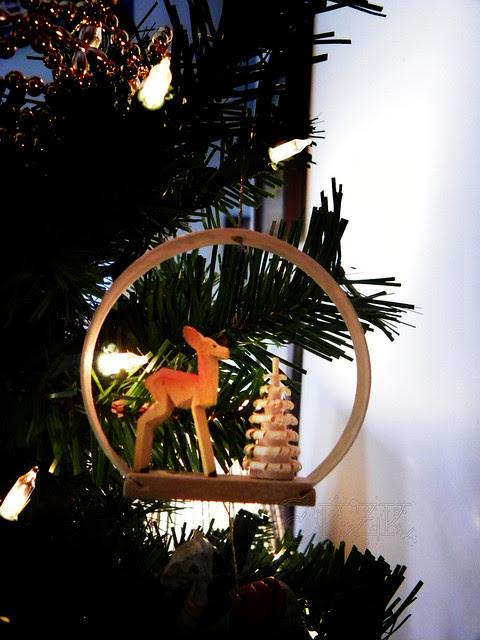 DSCN4705e Deer ornament