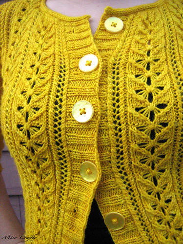 QueenBee Cardigan - Buttons