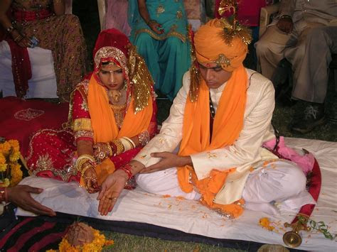 File:Hindu marriage ceremony offering   Wikipedia