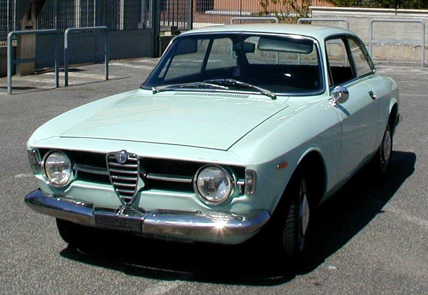 Alfa Romeo Gt Underneath Engine Cowl