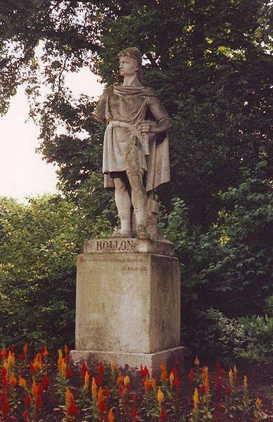 Estatua de Rollo en la ciudad francesa de Ruan, obra del escultor Arsène Letellier.
