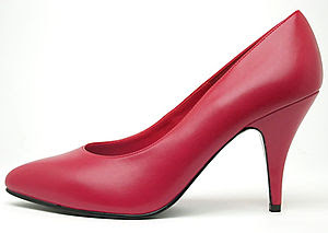 English: Red High Heel Pumps