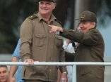 Raúl Castro junto al Héroe de la República de Cuba Orlando Cardoso Villavicencio, preso en la guerra de Etiopia. Foto: Ismael Francisco/