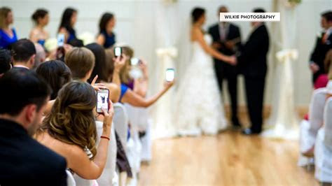 TODAY?s Trending: Wedding photographer?s rant on cell