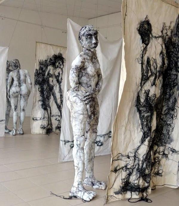 Astonishingly Life-Like Figuratives Sculptures (34)