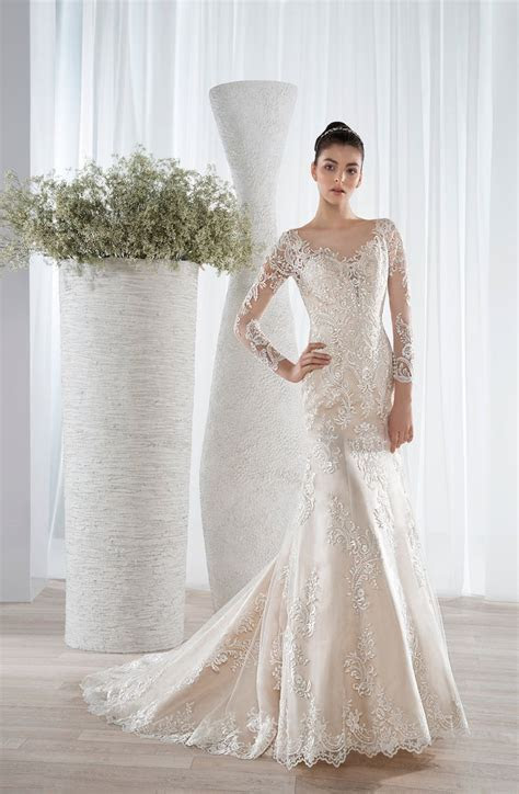 17 Best ideas about Twilight Wedding Dresses on Pinterest