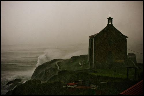 Tormenta de viento y lluvia