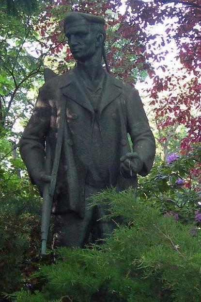 Statue of German revolutionary soldier in Berlin