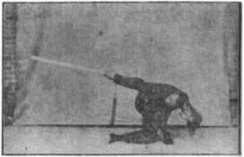 《昆吾劍譜》 李凌霄 (1935) - posture 56