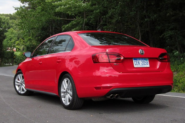 2012 Volkswagen Jetta GLI rear 3/4 view