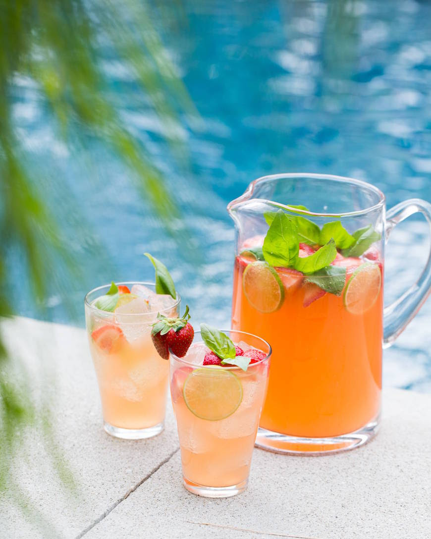 Strawberry Pineapple Punch from www.whatsgabycooking.com (@Whatsgabycookin)