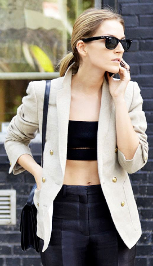 GAIA REPOSSI STREET STYLE JAK AND JIL INEN BLAZER JACKET CROP BANDEAU TOP MIDRIFF PANTS SHOULDER SATCHEL BAG RAY BAN WAYFARER SUNGLASSES REPOSSI SILVER RINGS