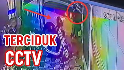 VIDEO: Detik-detik Aksi Pencuri Helm di Depan Warung Makan di Bone  Terekam CCTV