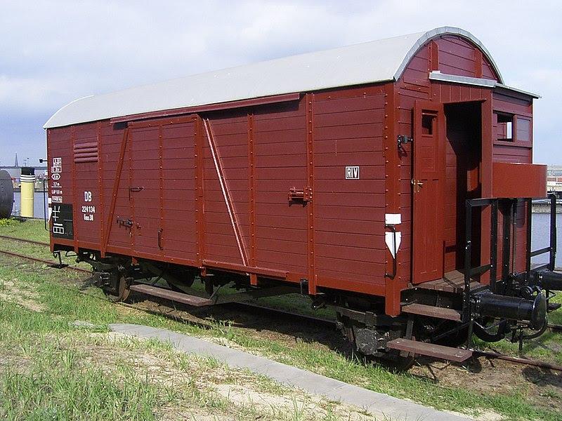 File:Güterwagen Oppeln der DR (heute im Besitz der Freunde der historischen Hafenbahn e.V.).jpg
