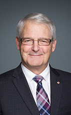 Photo - The Honourable Marc Garneau - Click to open the Member of Parliament profile