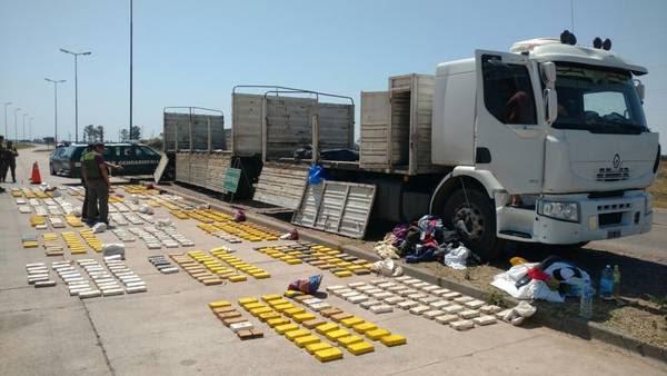 Resultado de imagen para Secuestraron más de 865 kilos de cocaína