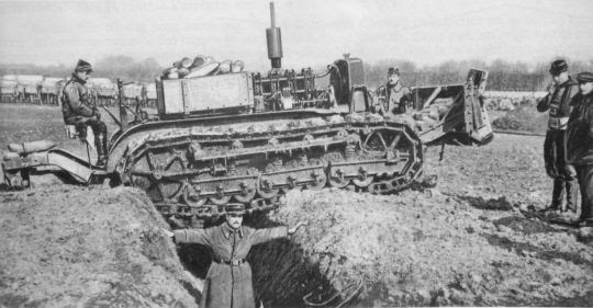 Caterpillar_experiment_21_Fevrier_1916