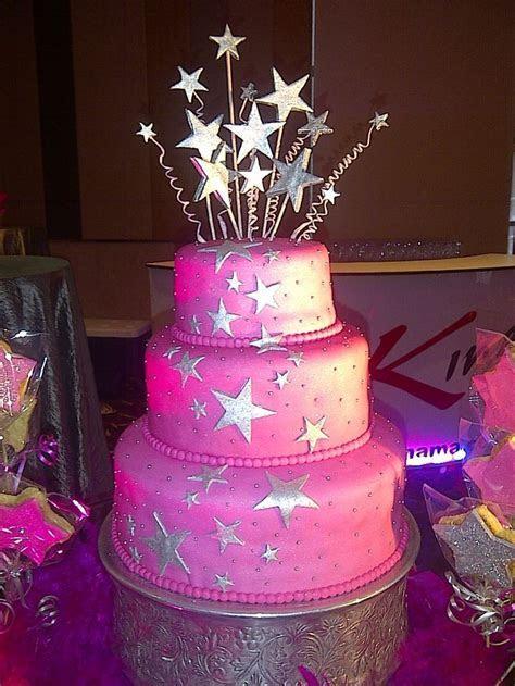 Cake con diseño de Estrellas Plateadas   Cake de 15 Años