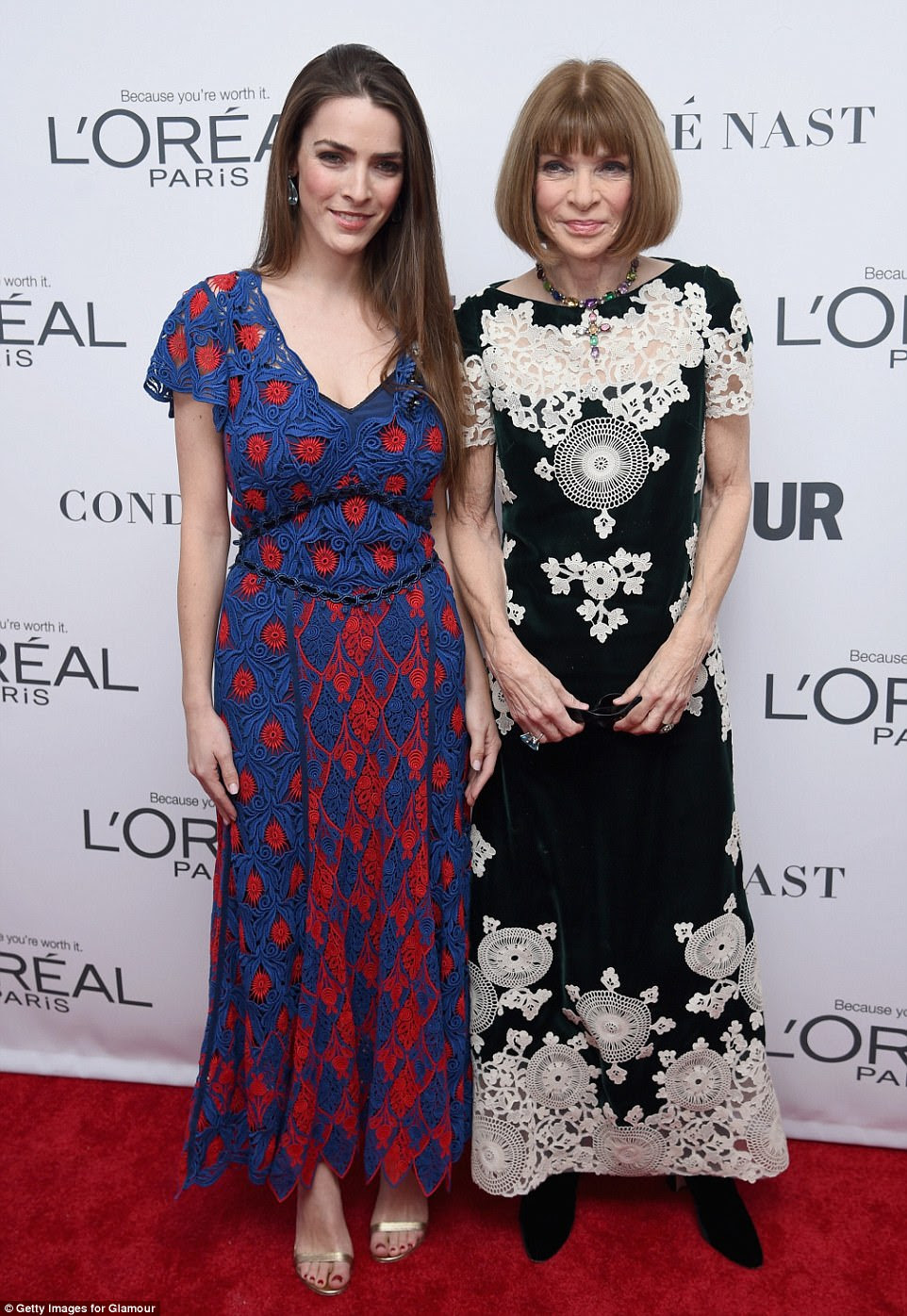 Ícone da moda!  Anna Wintour sorriu com um vestido de renda preto e branco enquanto frequentava a cerimônia ao lado de sua filha, Bee Shaffer