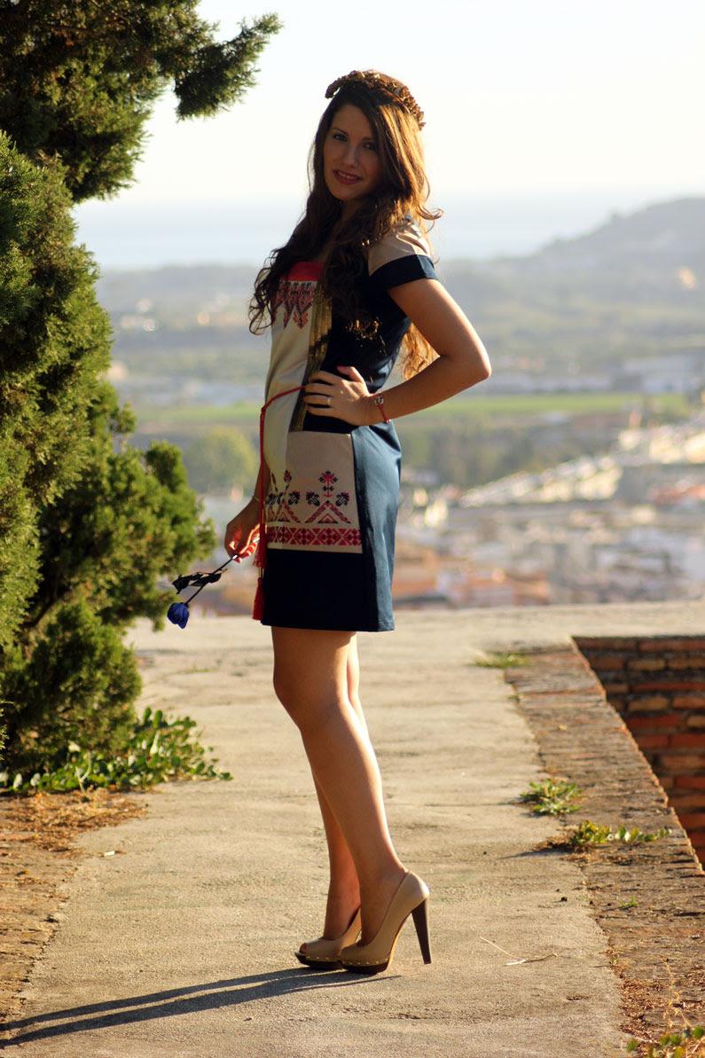 Rosalita-Mc-Gee-vestido-azul-y-rosa-heelsandroses-(3)