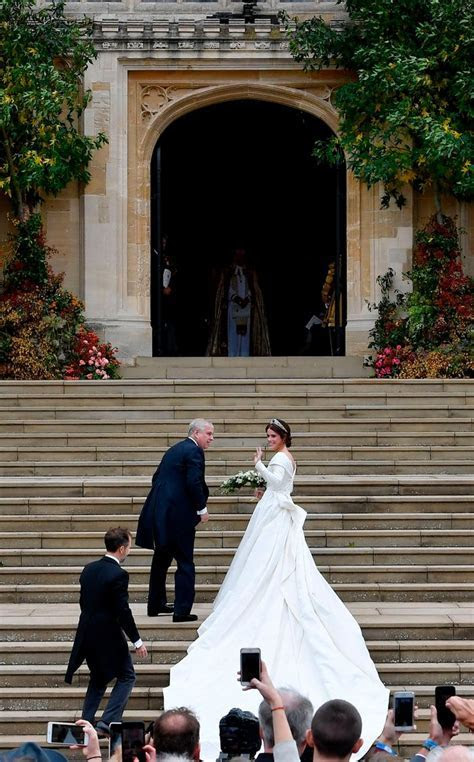 Princess Eugenie's Wedding Dress: See all the Details