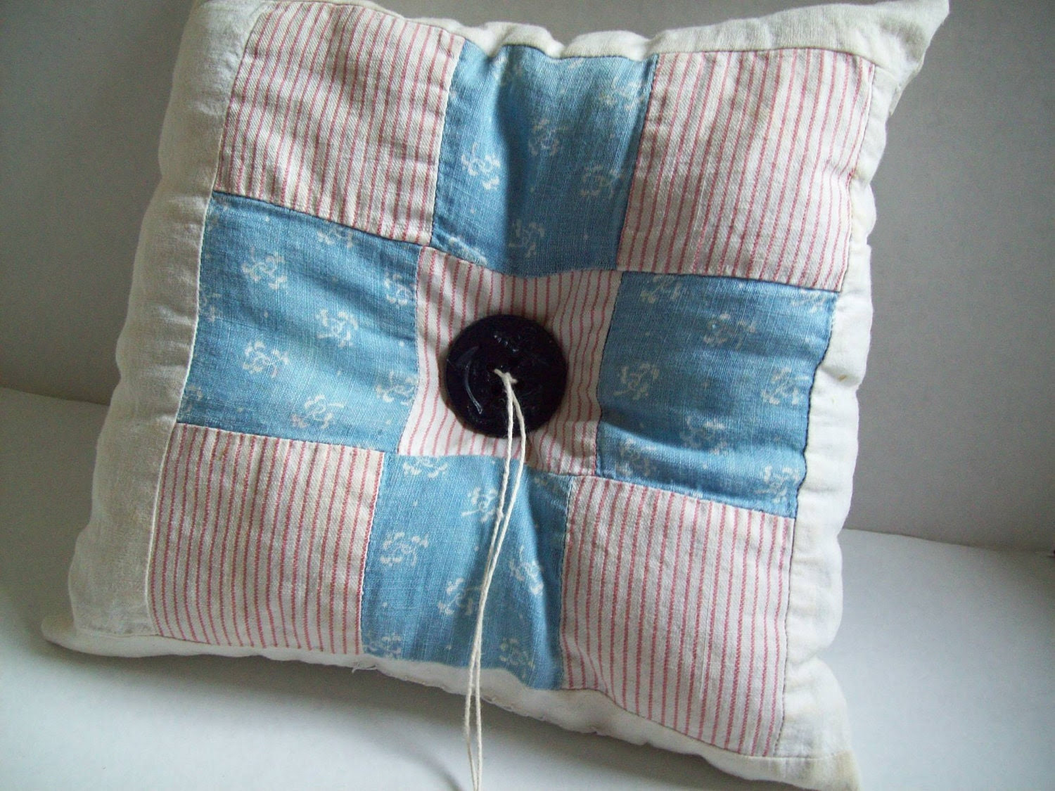 Quilted 009 ... vintage wedding ring pillow