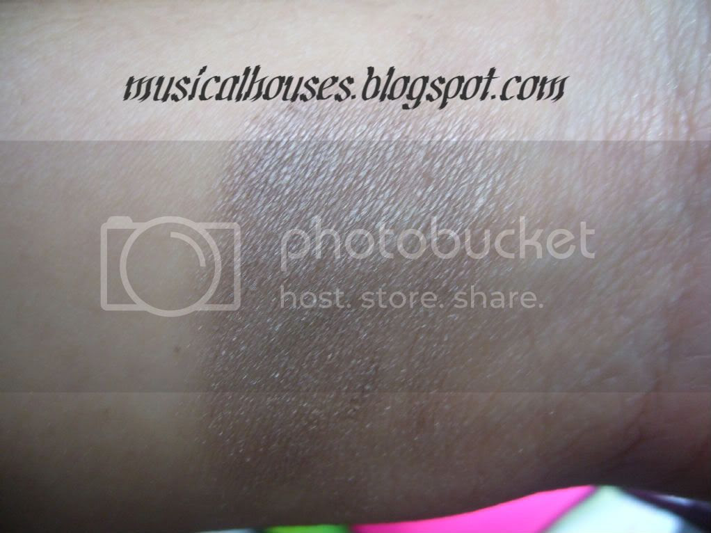 Bourjois Ombre Stretch Brun Nylon Swatch
