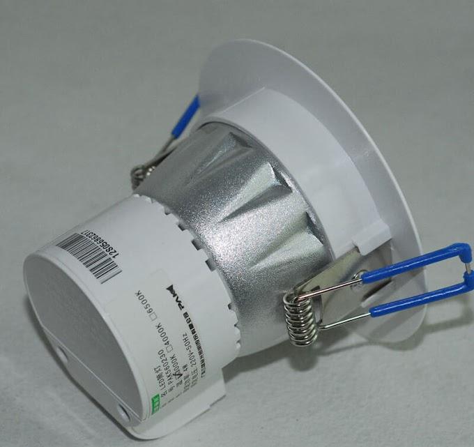 Как снять точечный светильник с натяжного и подвесного потолка