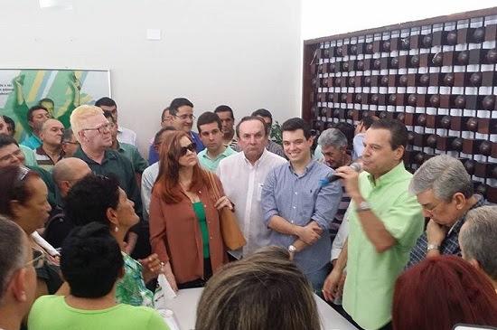 PMDB terá mais de 100 candidatos a prefeito, diz Henrique
