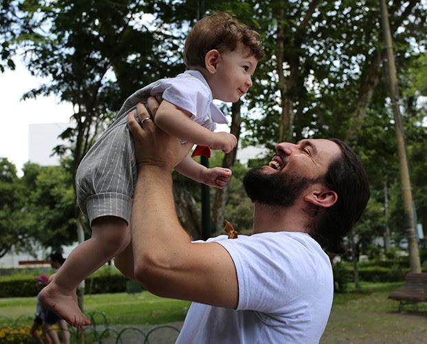 Alexandre está há dez meses levando alegria para a vida do teólogo (Foto: Larissa Moggi)