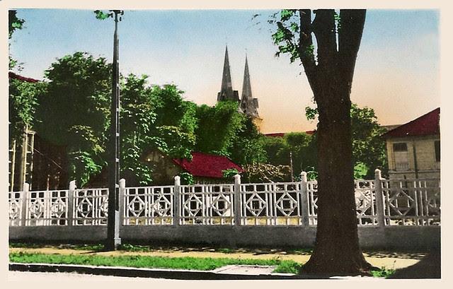 un coin de saîgon - les clochers e la cathédrale