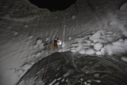 Siberia: giù nella voragine misteriosa tra i ghiacci