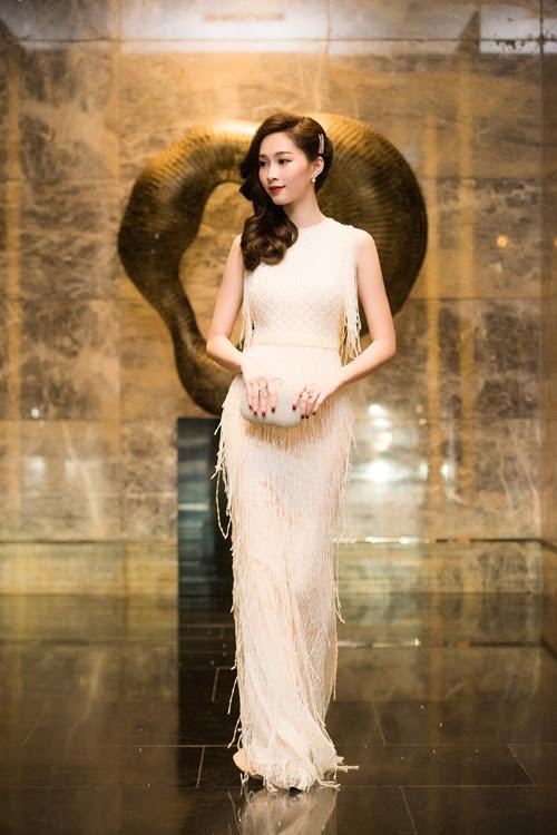Đúng là chỉ có những thiết kế của Lê Thanh Hòa mới giúp Thu Thảo tỏa sáng - Ảnh 11.
