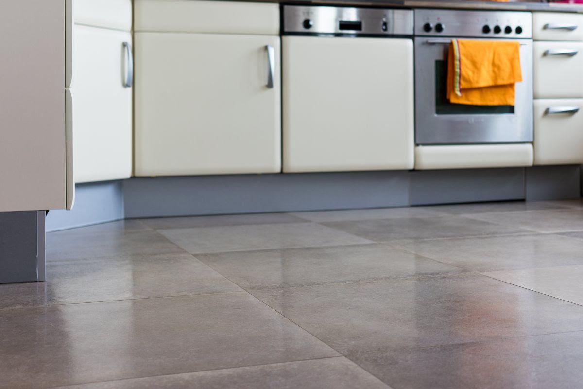 Bodenfliesen Küche Trend Für Weiß Die Design In Der ...