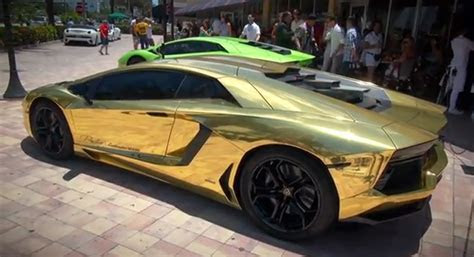 Miami Lamborghini Dealer Unveils Gold Wrapped Aventador: Video