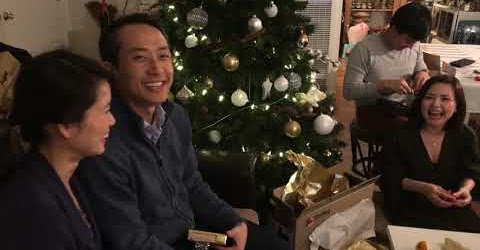 Cuộc Sống Mỹ - YANH KHUI QUÀ MERRY CHRISTMAS 2018