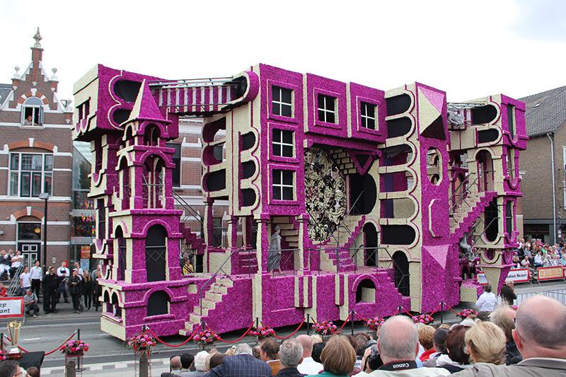 Gigante Escultural flutua coberto de flores de Corso Zundert desfiles 2013 escultura Holanda flores