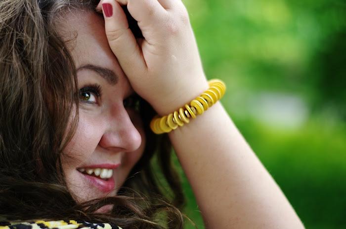 Große Größen Plus Size Fashion Blog yellow cobalt
