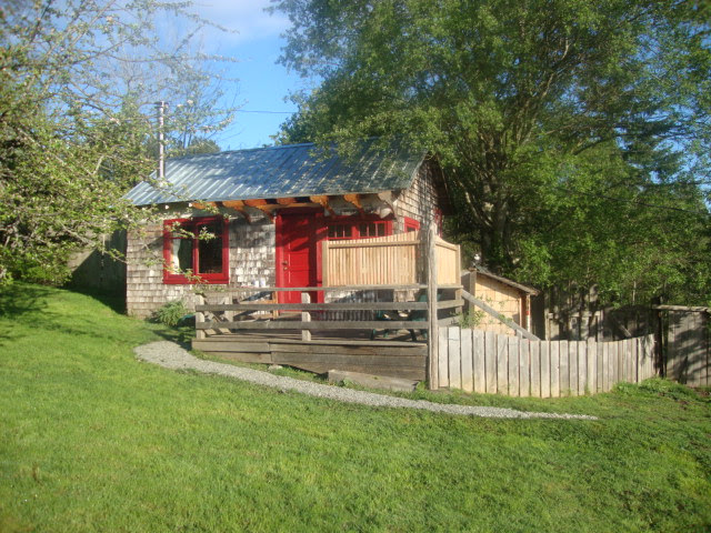 Photo Gallery - Orchard Cabin on Salt Spring Island self-catered ...