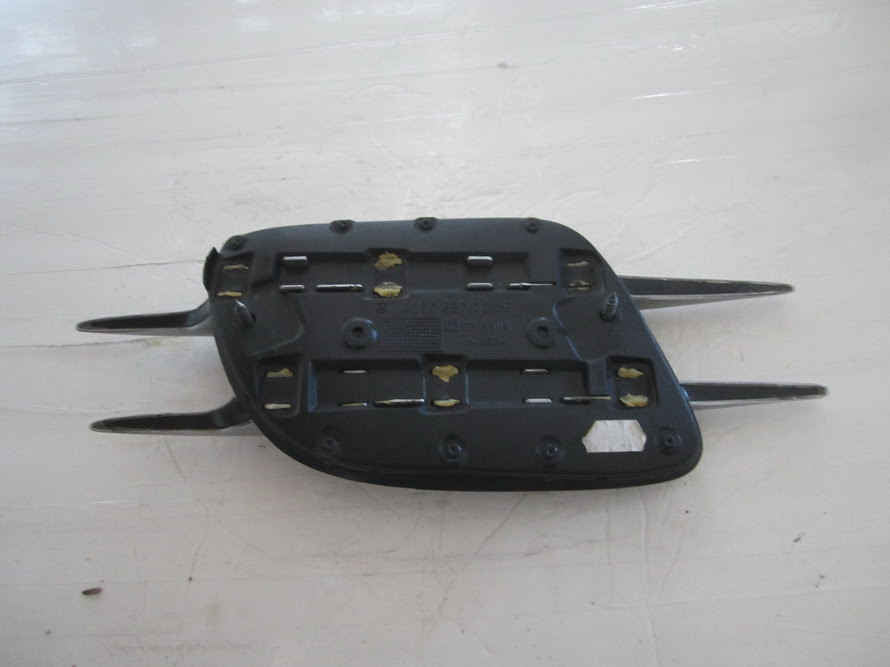 Mercedes Benz - RIGHT SIDE FENDER - 2306900236: Used Auto ...