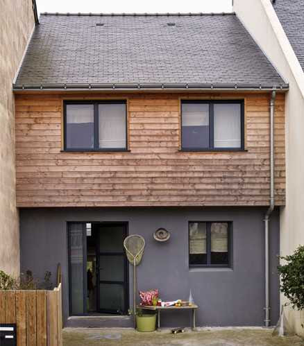 фасад современного деревянного дома во Франции