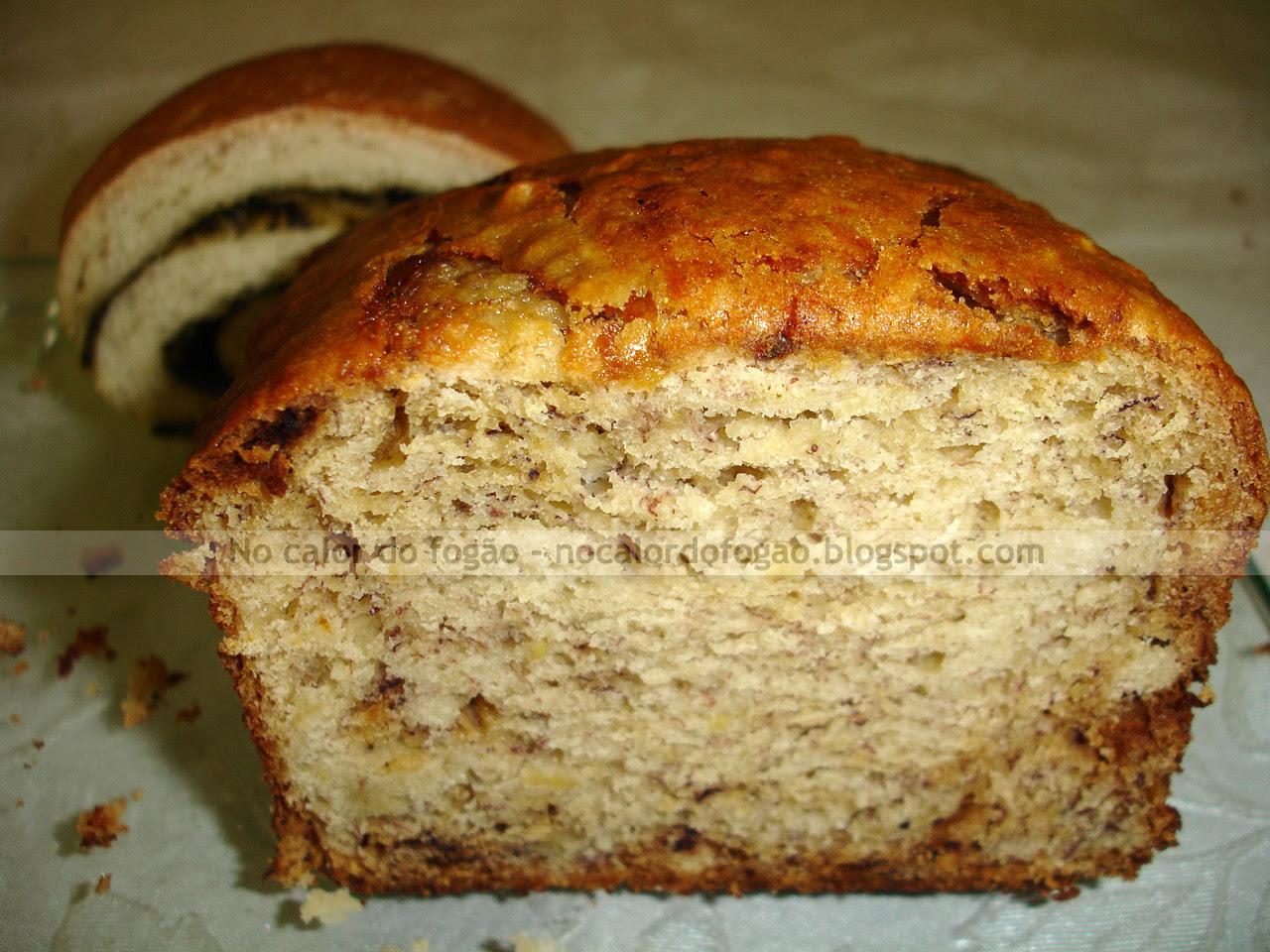 Pão de banana cortado