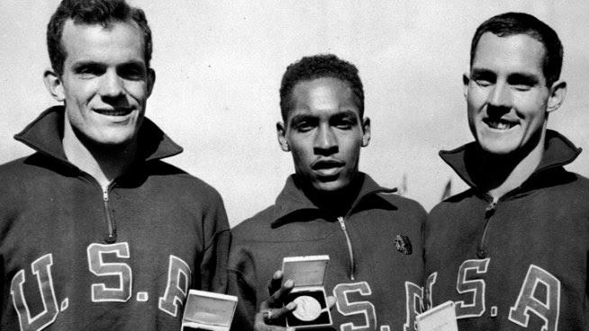 Olympian, USC Alum Jack Davis Dies