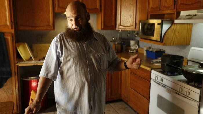 pai muçulmano adota apenas crianças com doenças terminais (1)